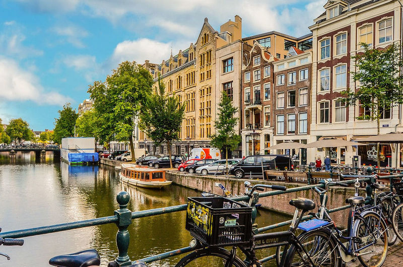 Medium wide fullhd amsterdam 2241485 1920